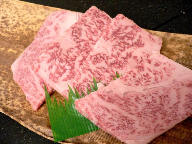 神戸牛ギフトの神戸牛焼肉『特撰肩ロース』