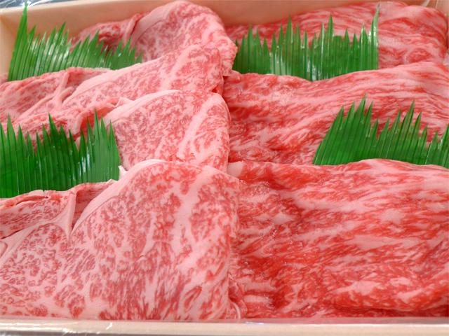 神戸牛すき焼き用あっさり赤身と霜降り肉